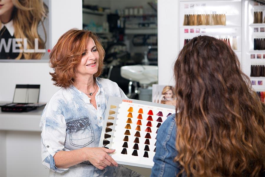 Individuelle Farbberatung beim Friseur in Maisach